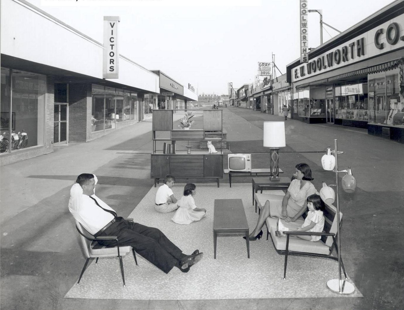 Main Walkway at the Thruway Plaza in the 1960's